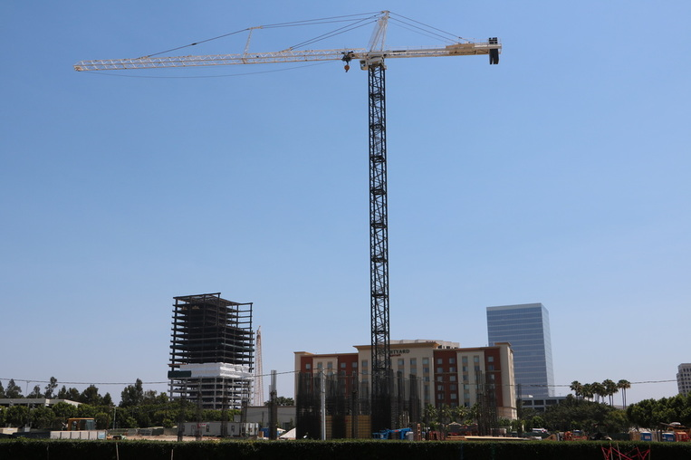 Construction crane has been set up at the upcoming 14 Story Irvine Spectrum Marriott